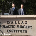 Los Dres. Gabriel y Daniel Moina en Dallas Plastic Surgery Institute.